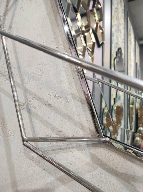 Lustro Massei II z metalową, odstającą ramą nowoczesne