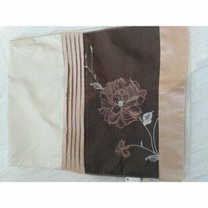 Bieżnik brązowy satynowy z kwiatem