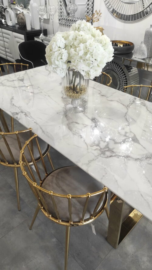 Biały stół marmurowy na złotych metalowych nogach - ArteHome