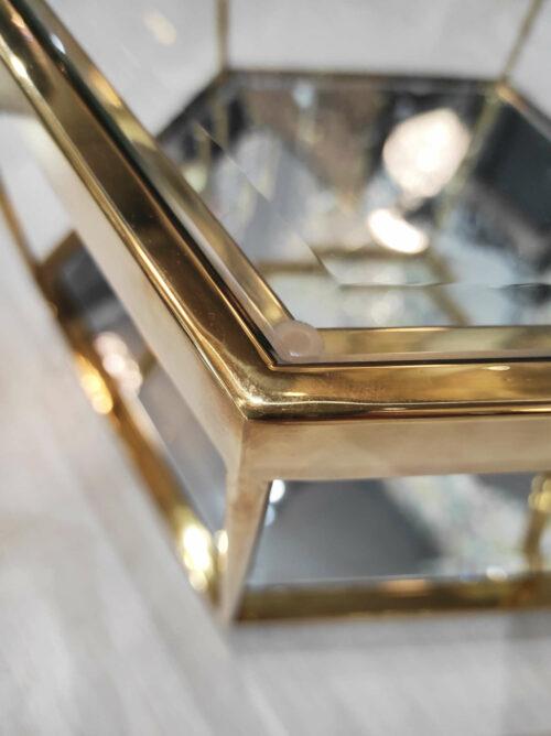 Stolik kawowy Grafik wykończony w złocie